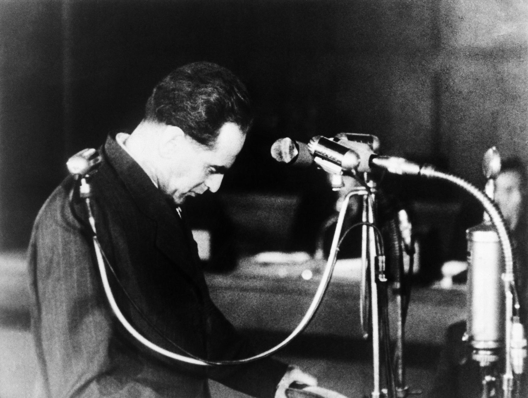 Rudolf Slánský před senátem státního soudu v Praze. Ve dnech 20. až 27. listopadu 1952 se konal proces s vedením protistátního spikleneckého centra v čele s Rudolfem Slánským