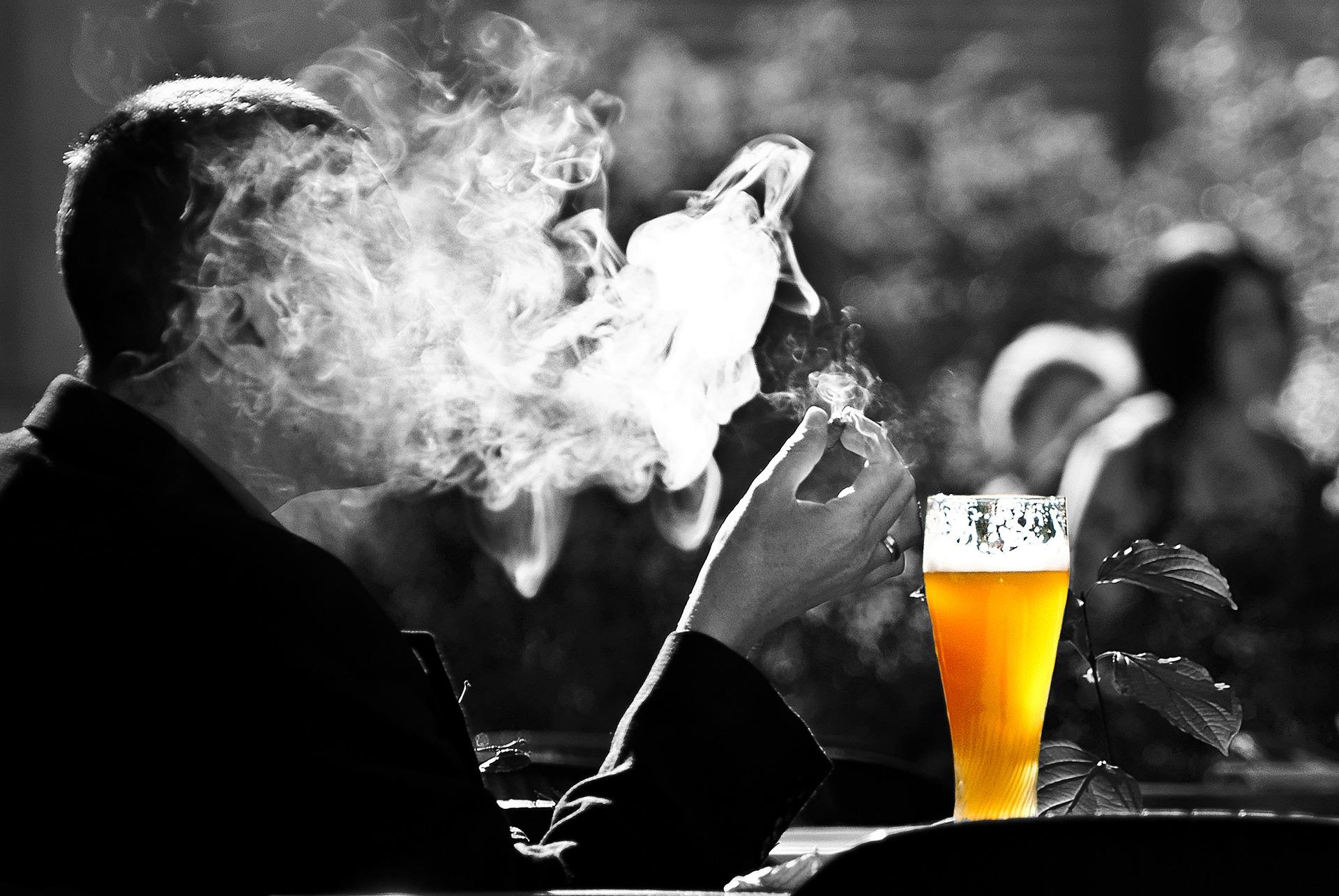 Kouření a alkohol patří mezi rizikové faktory pro vznik rakoviny