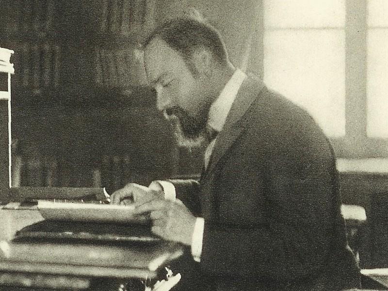 Štefánik ve své pracovně v pařížškém Meudoně