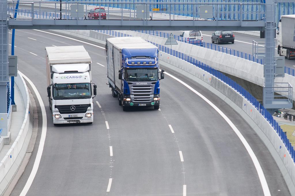 Placená kamionová doprava na Pražském okruhu