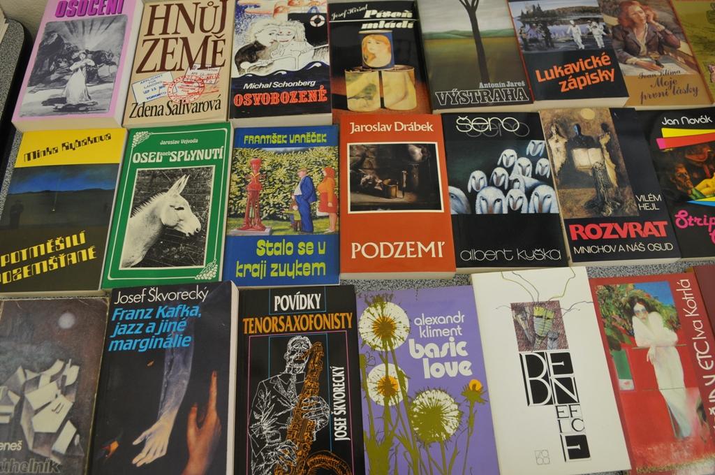 Expozice knih vydaných nakladatelstvím 68 Publishers