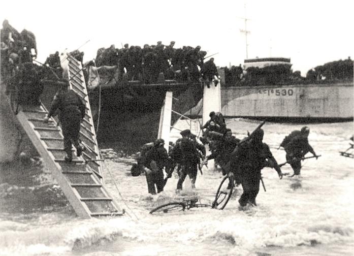 Vylodění britských vojáků v Normandii (D-Day) 6. června 1944