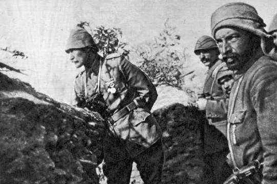 Bitva o Gallipoli 1915: jedním z velitelů turecké armády byl i Mustafa Kemal (Atatürk)