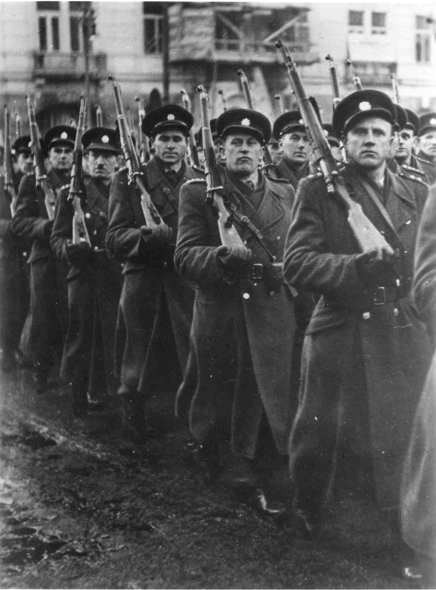 Příslušníci SNB v roce 1948