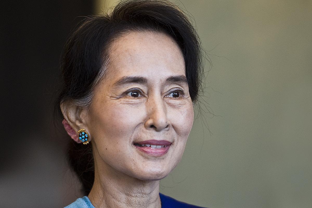 Aun Schan Su Ťij na návštěvě Prahy
