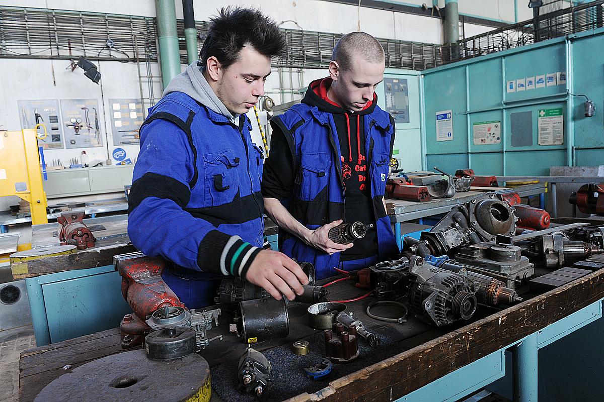 Učeň, střední odborné učiliště, řemeslo, (ilustrační foto)