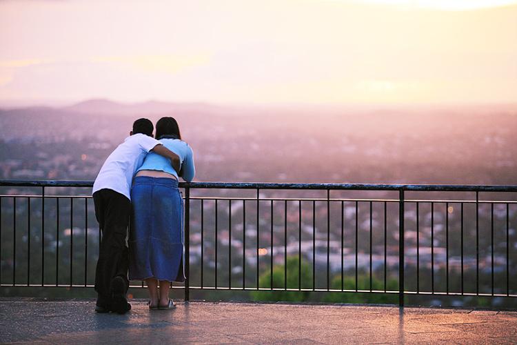 západ slunce - zamilovaný pár