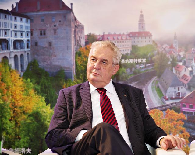 Prezident Miloš Zeman navštívil expozici České republiky na Západočínském mezinárodním veletrhu v Čcheng-tu, hlavním městě čínské provincie S'-čchuan