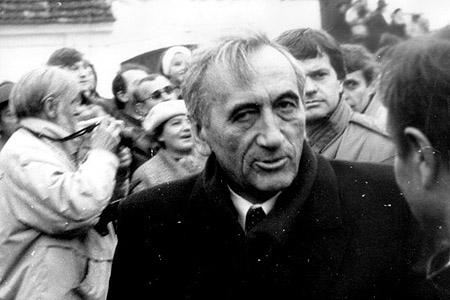 Tadeusz Mazowiecki, první nekomunistický premiér Polska