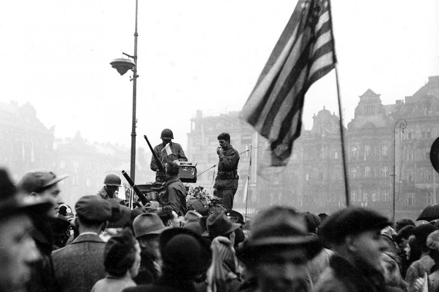 Archivní snímek z osvobození Plzně americkou armádou v roce 1945