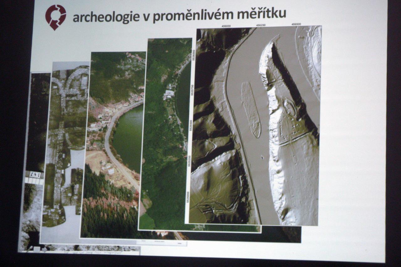 Z představení Archeologického atlasu