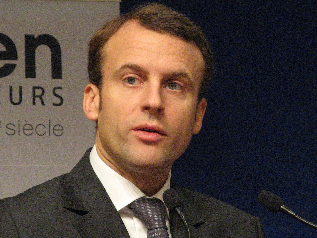 Centristický kandidát Emmanuel Macron