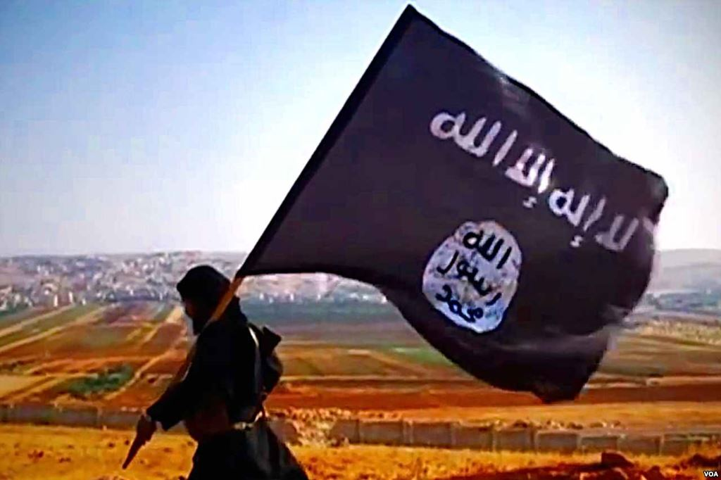Islámský stát kontroluje na svém území veškerou ekonomiku, zabavuje majetky i fungující továrny