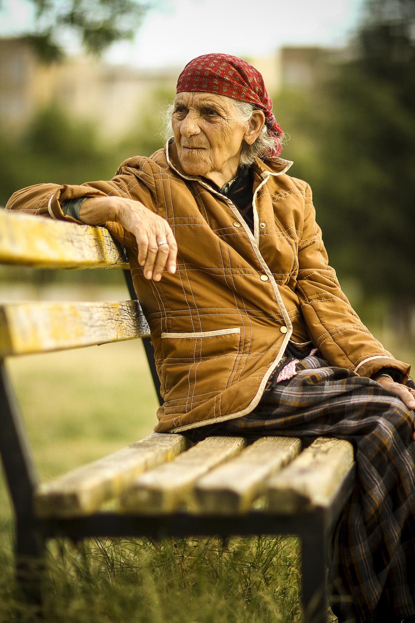 Seniorka (ilustrační obrázek)