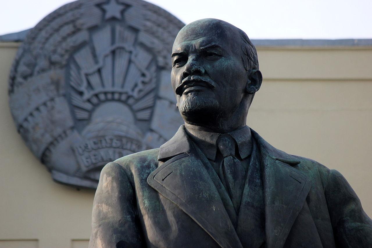 Leninova socha v běloruském Minsku