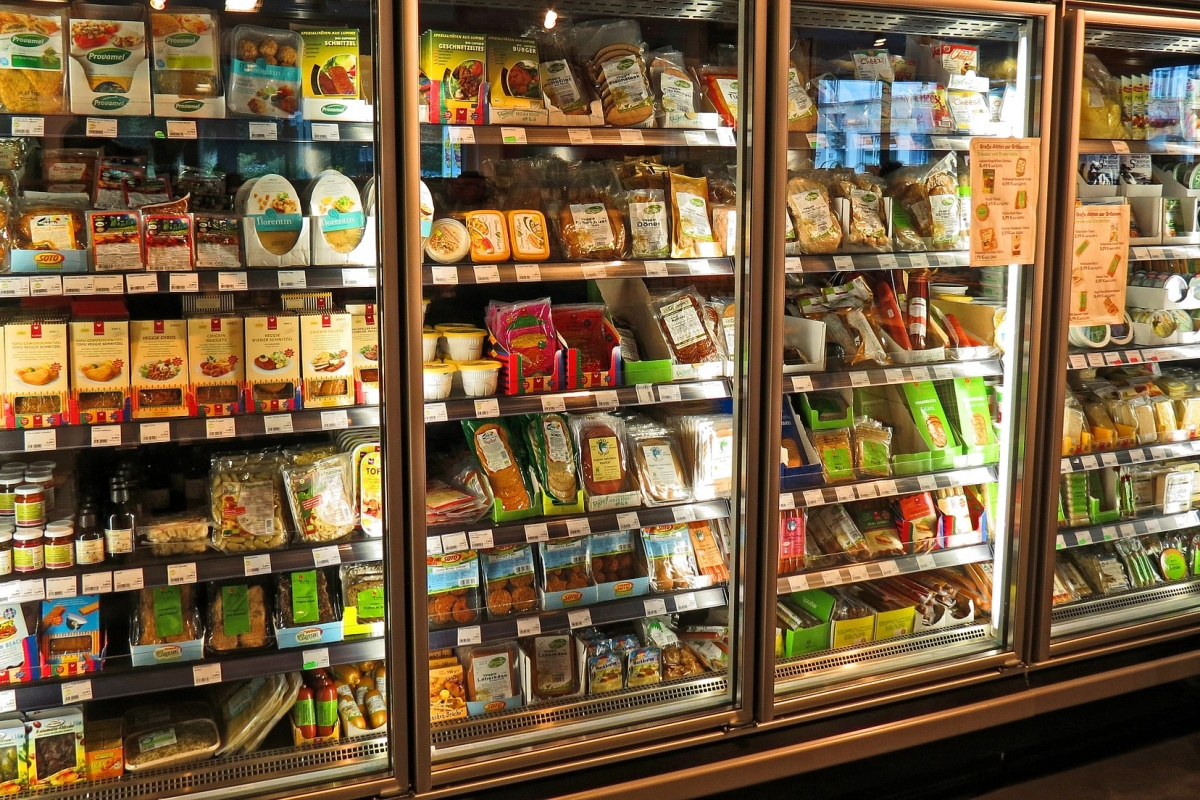 Potraviny v supermarketu.