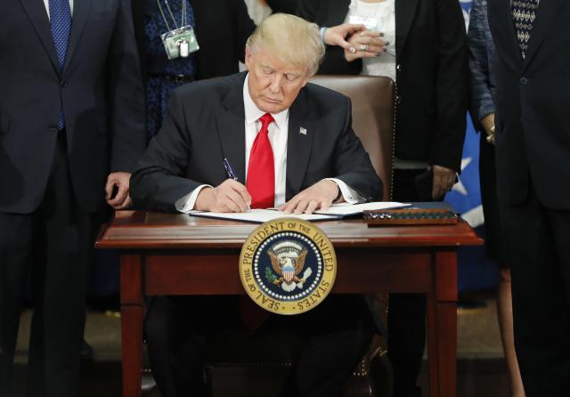 Donaldu Trumpovi se podařil husarský kousek – zvítězil, i přes odpor vlastní strany