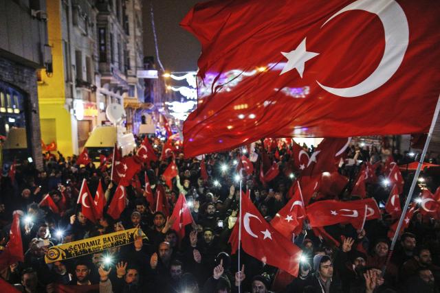 Turecký prezident Erdogan a jeho stoupenci se ve státech Evropské unie dovolávají svobody slova