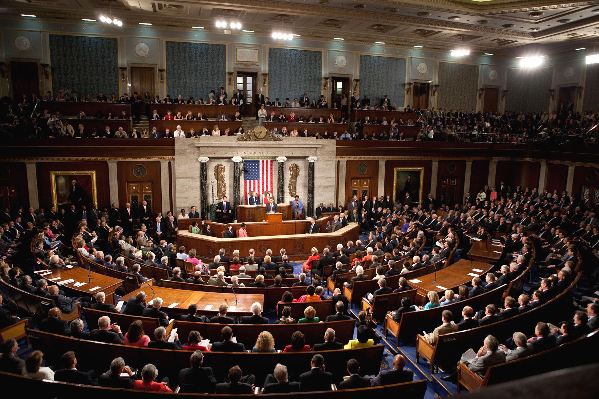 Prezident Barrack Obama seznamuje obě komory amerického Kongresu se svou zdravotnickou reformou (2009)