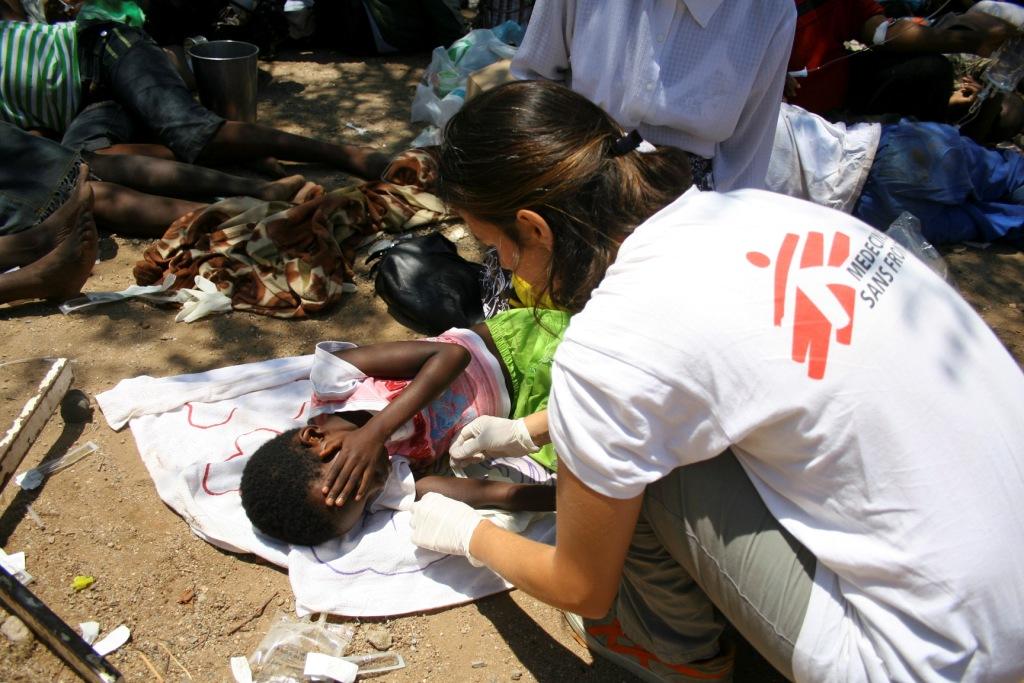 Lékaři bez hranic pomáhají nemocným cholerou