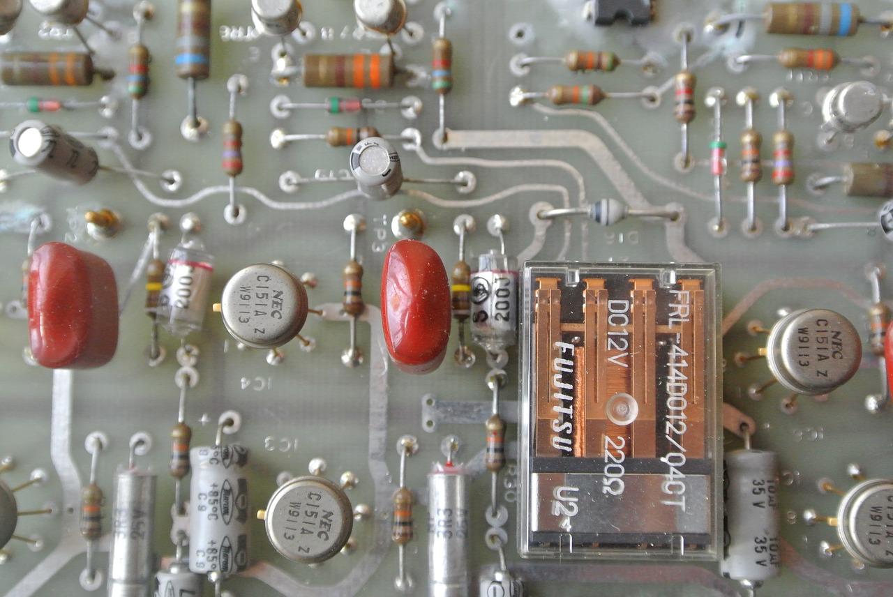 Počítač - čipy - výpočetní technika