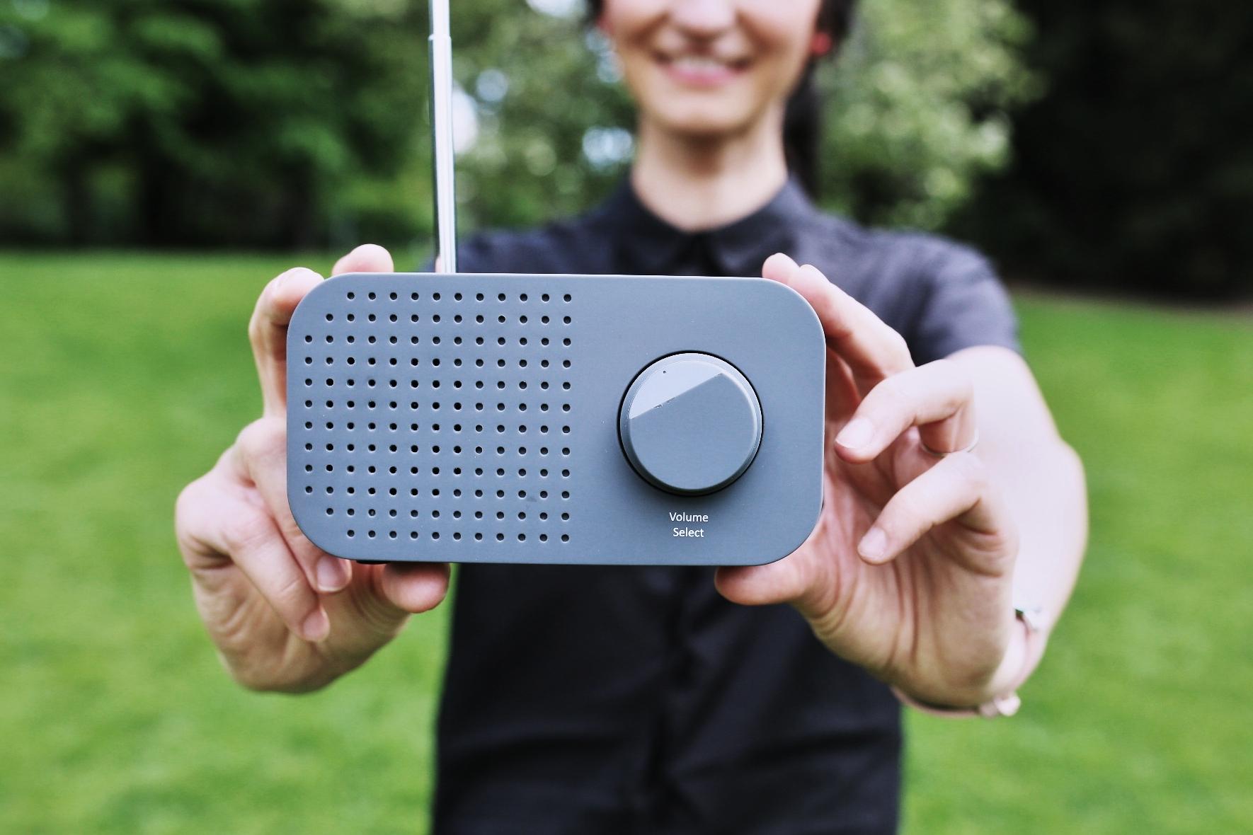 Digitální rádio s technologií DAB+ a Iva Jonášová