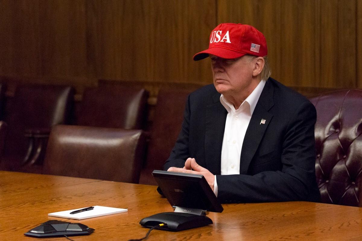 Americký prezident Donald Trump během telekonference k řešení následků hurikánu Harvey