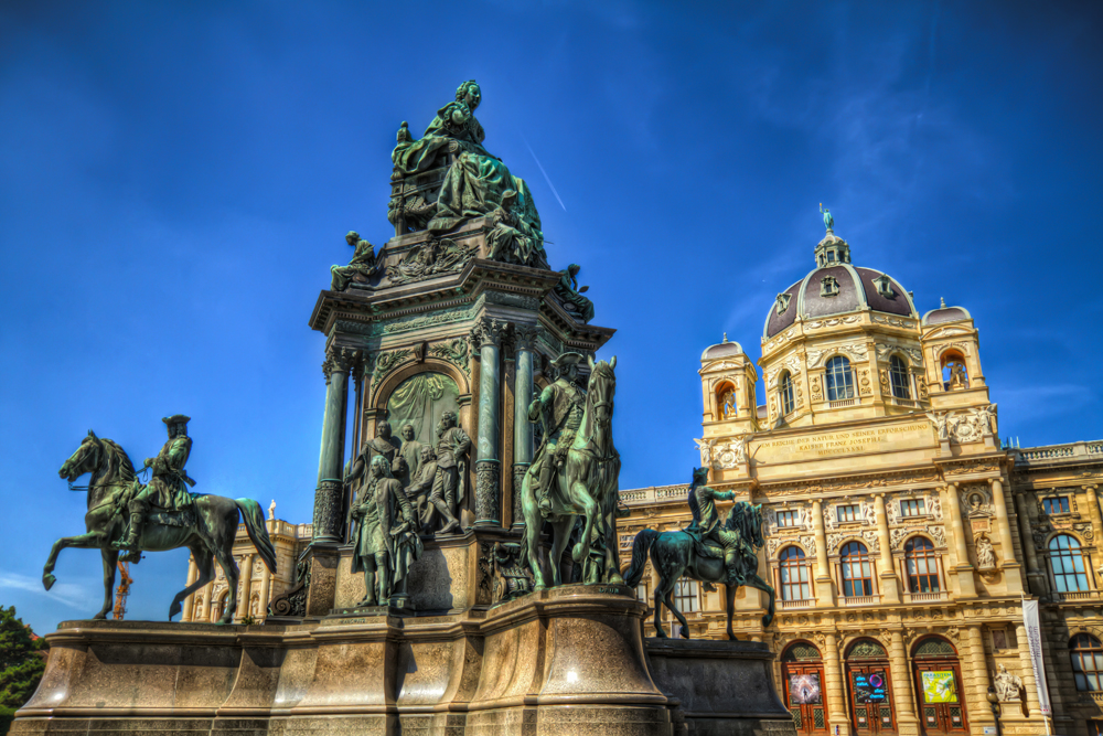 Monumentální pomník císařovny Marie Terezie ve Vídni