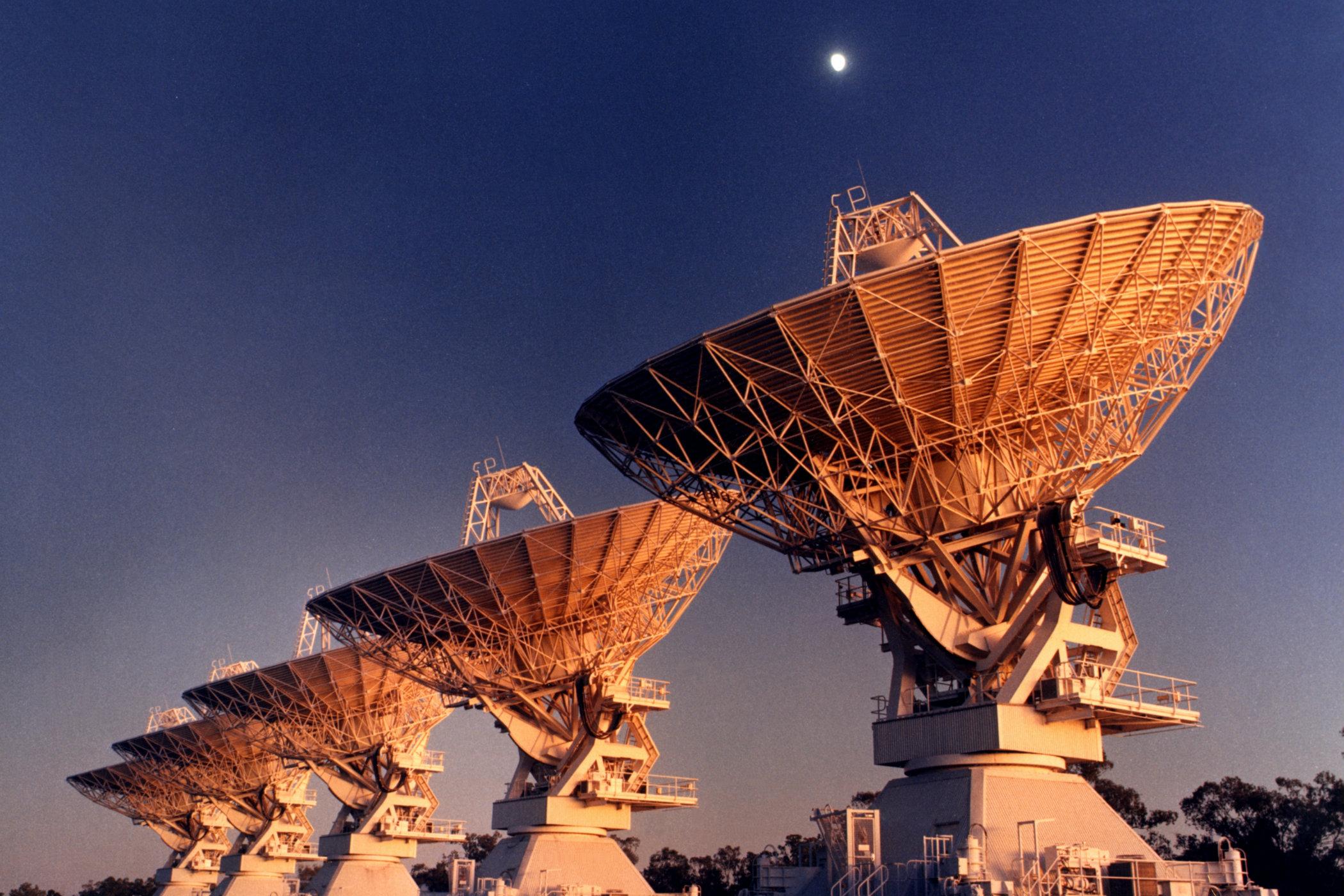 Radioteleskop ATCA v Austrálii