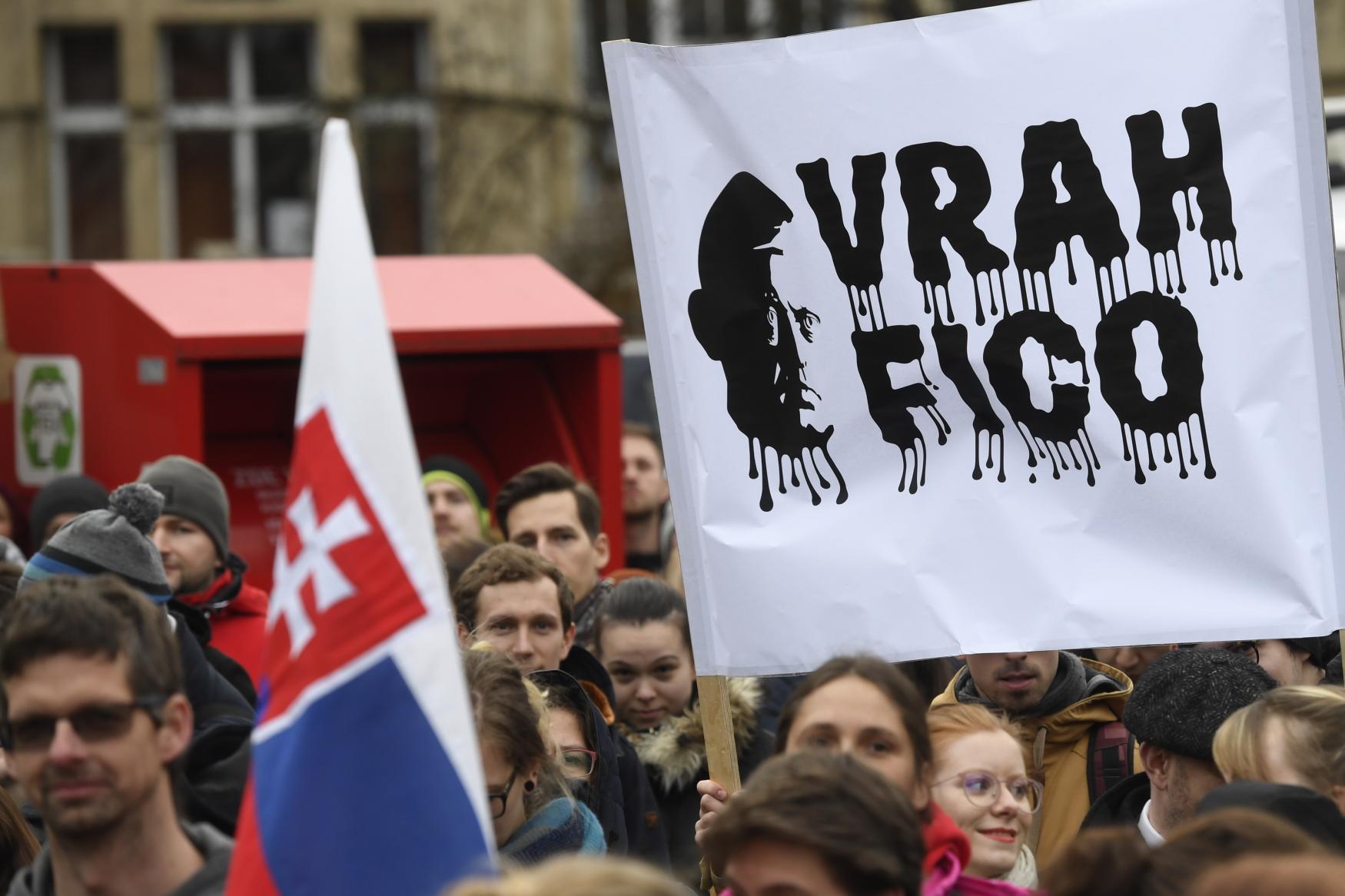 Časem se třeba ukáže, že vražda Jána Kuciaka neměla s politikou nic společného a po Ficovi dostane Slovensko mnohem mizernějšího premiéra