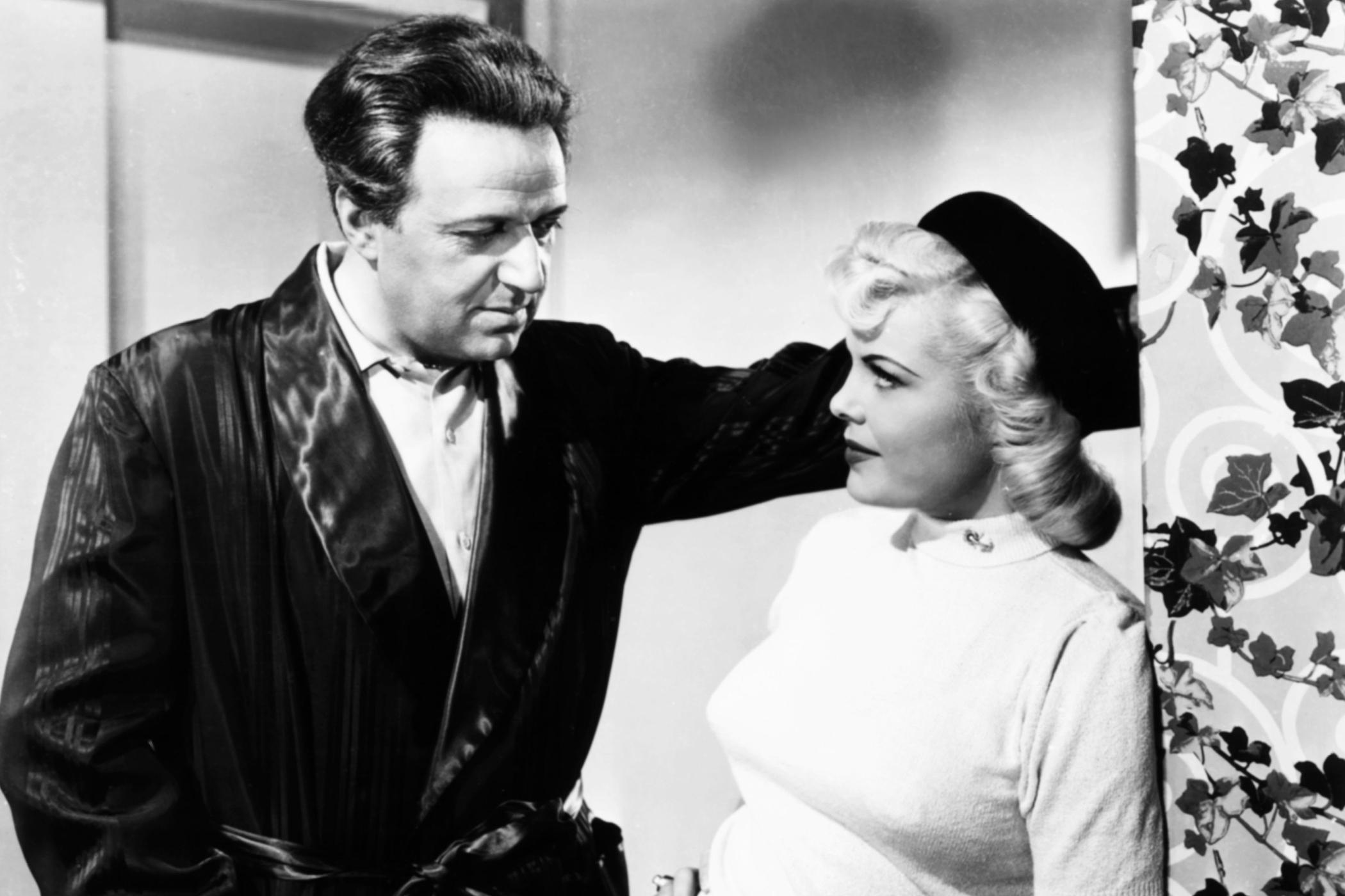 Podivné okouzlení (Strange fascination, 1952). Zleva: Hugo Haas, Cleo Moore