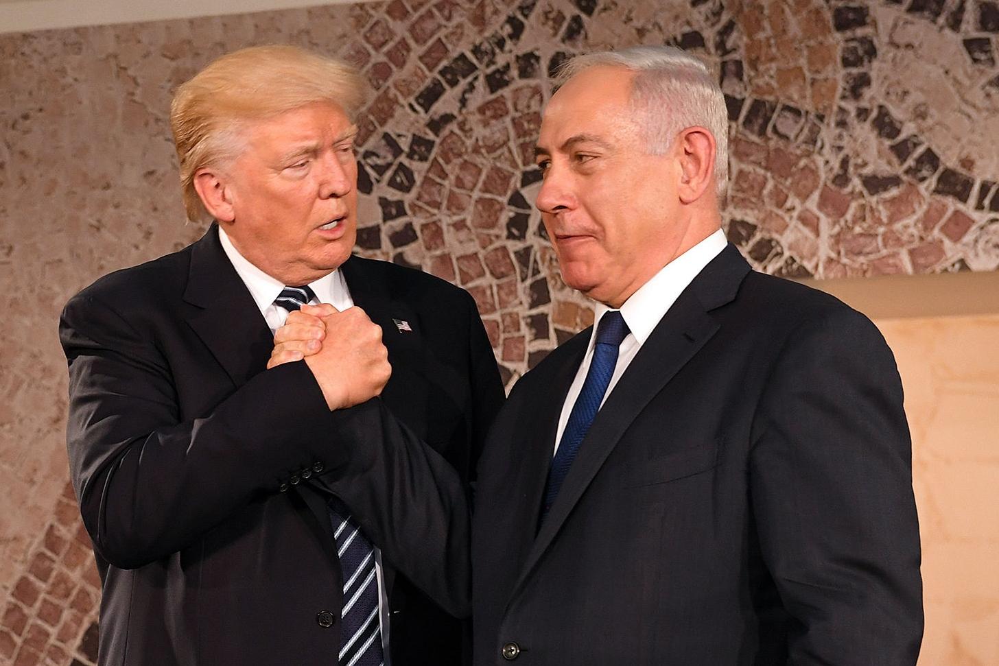 S odstoupením USA od íránské jaderné dohody je spokojený kromě Donalda Trumpa i izraelský prezident Benjamin Netanjahu. Oba se mýlí, říká Ilona Švihlíková