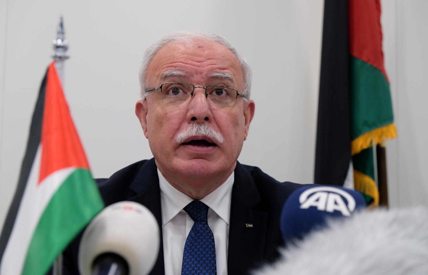 Palestinský ministr zahraničí Riad Malki požádal Mezinárodní trestní soud, aby zahájil vyšetřování údajných izraelských zločinů proti palestinskému lidu