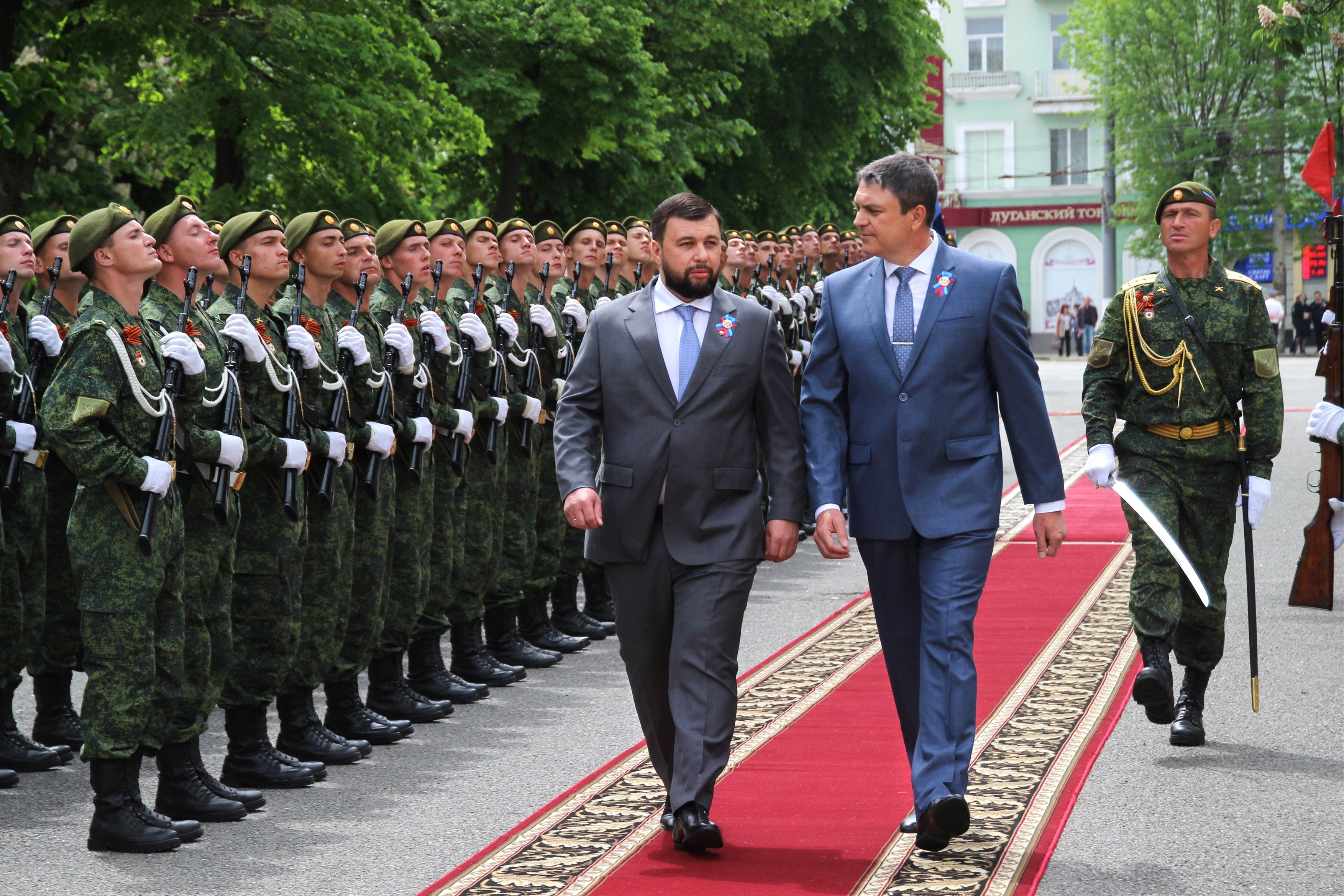 Hlavy Doněcké a Luhanské lidové republiky Denis Pušilin a Leonid Pasechnik