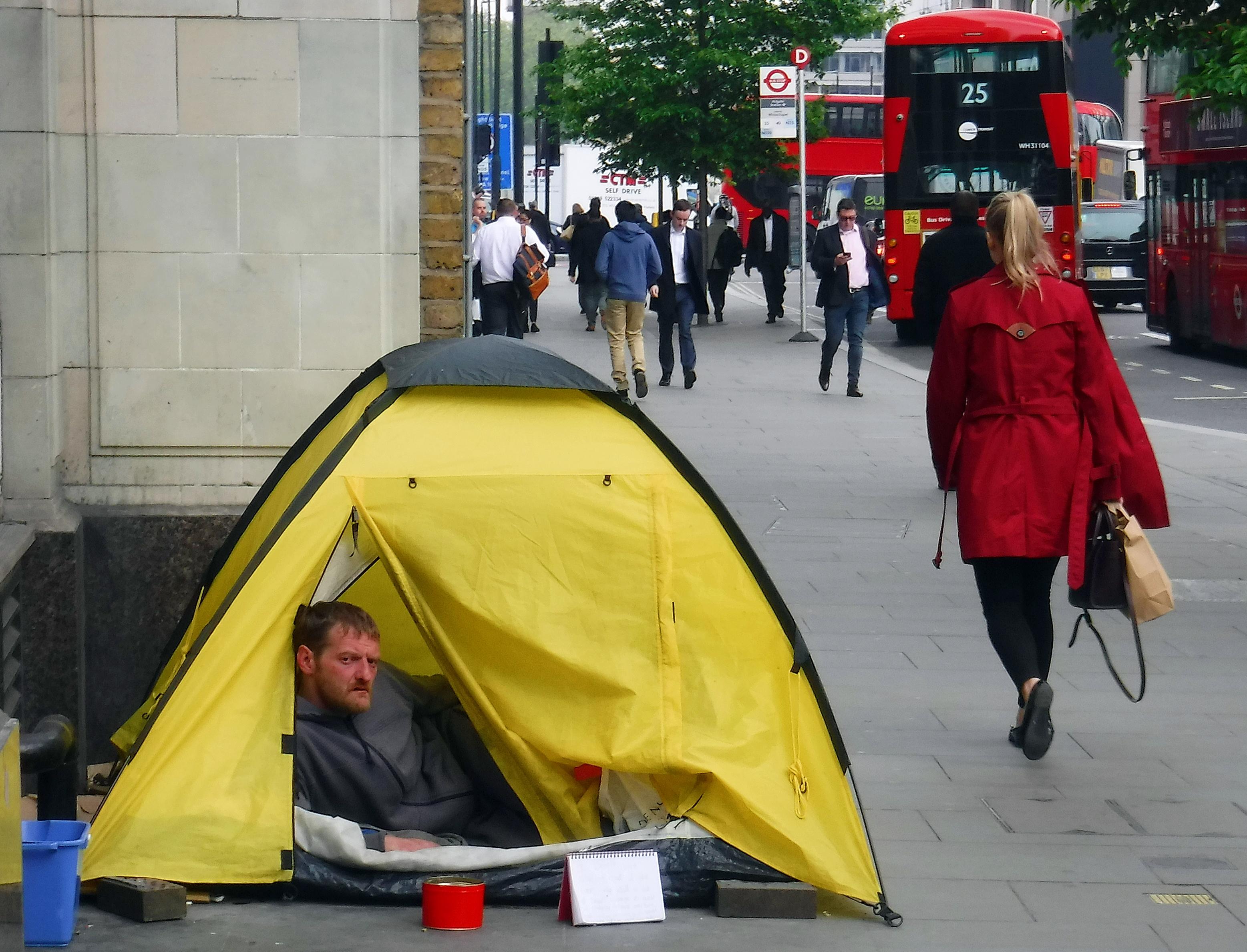 Stanování na Aldgate v Londýně