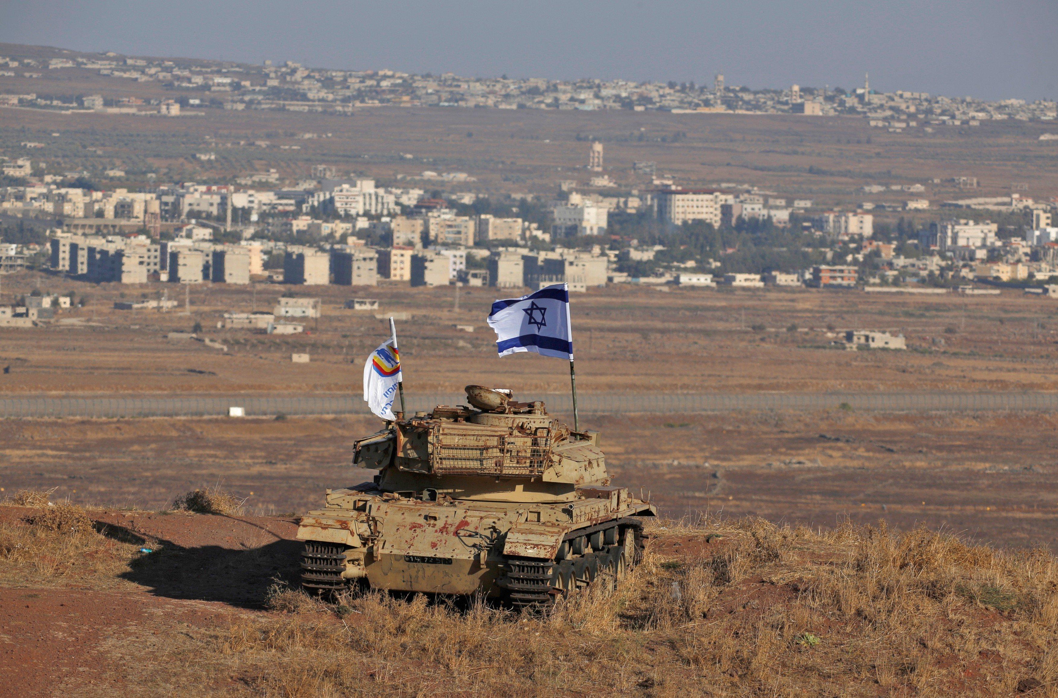 Vrak izraelského tanku ze syrsko-izraelských válek na Golanských výšinách