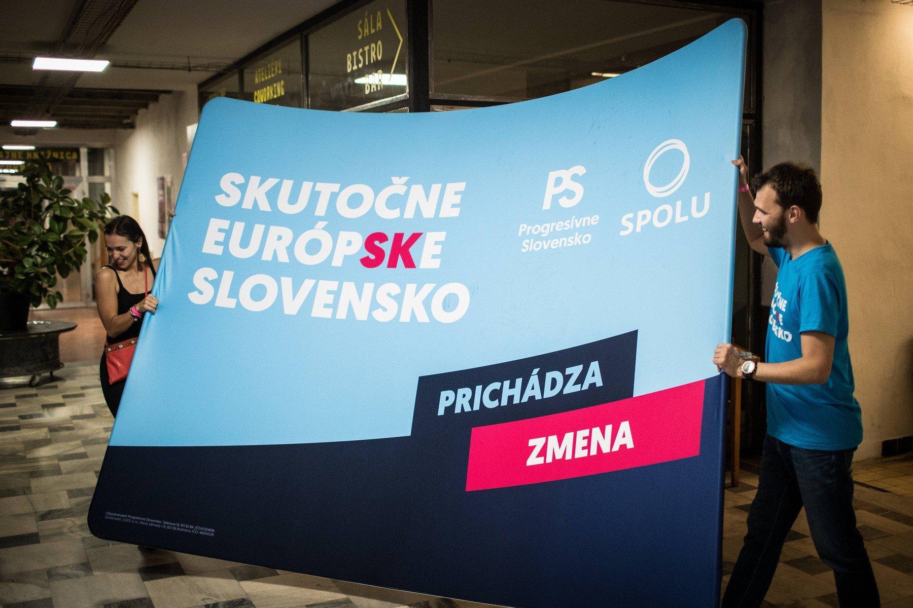 Volební noc koalice stran Progresivní Slovensko a Spolu po skončení hlasování ve volbách do Evropského parlamentu