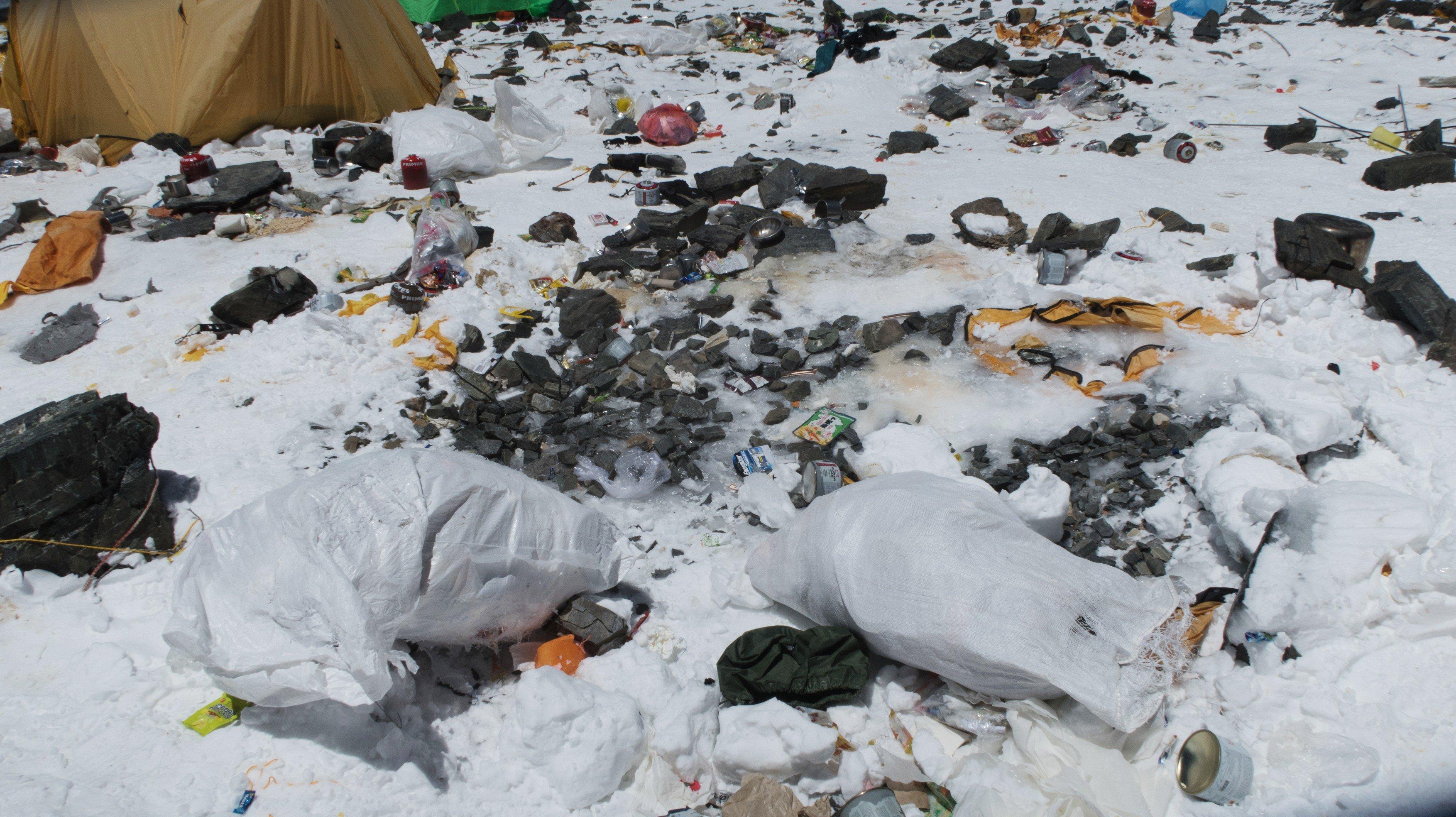 Odpadky na Mount Everestu