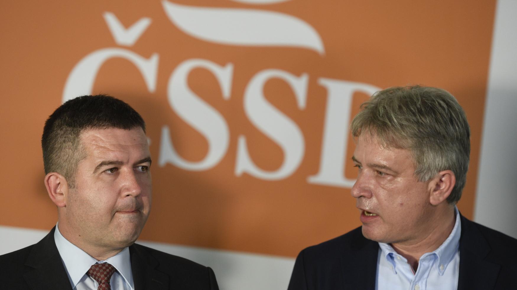 Předseda ČSSD Jan Hamáček a statutární místopředseda strany Roman Onderka