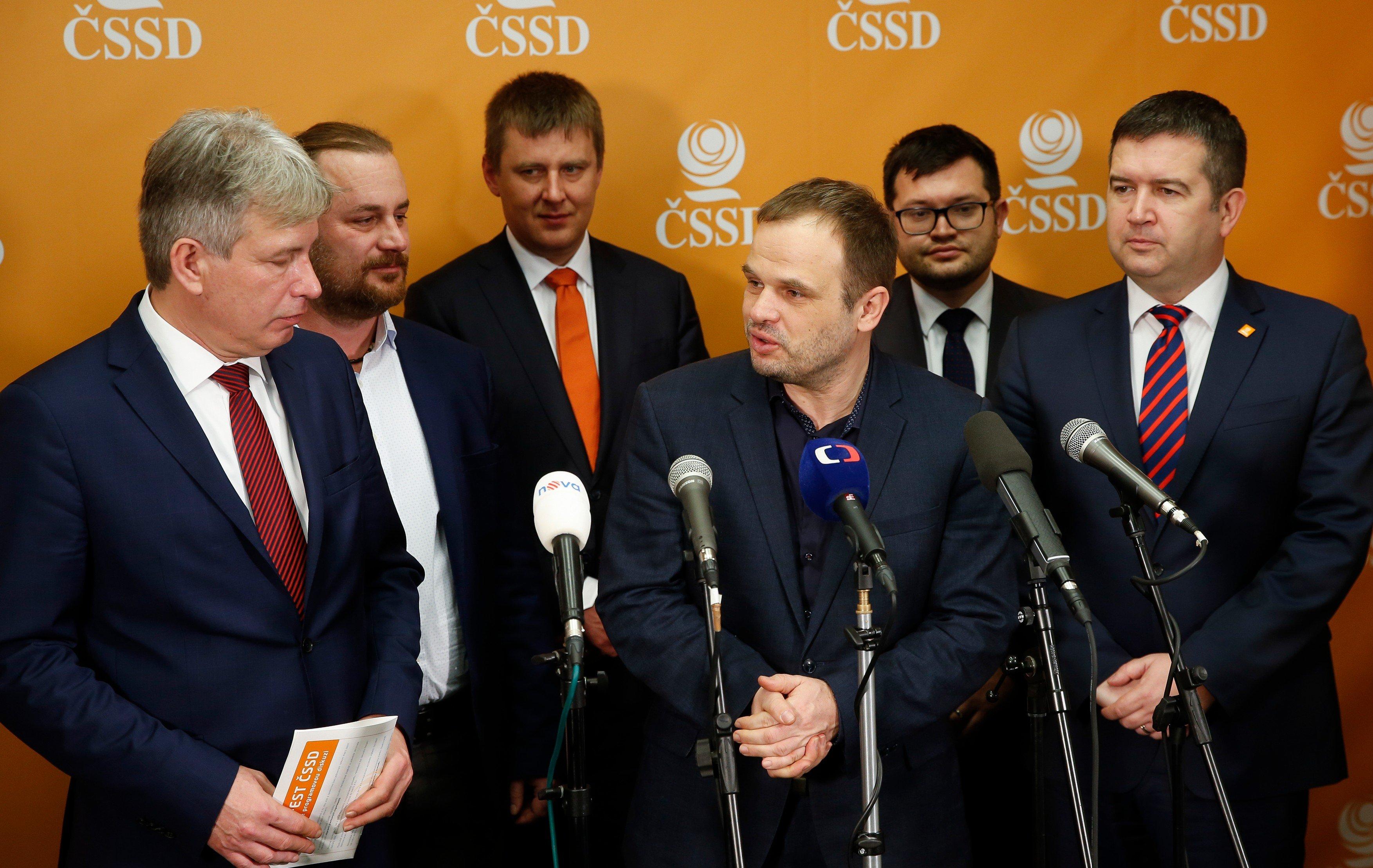 Michal Šmarda s novým vedením ČSSD, volební sjezd strany v Hradci Králové v březnu 2019
