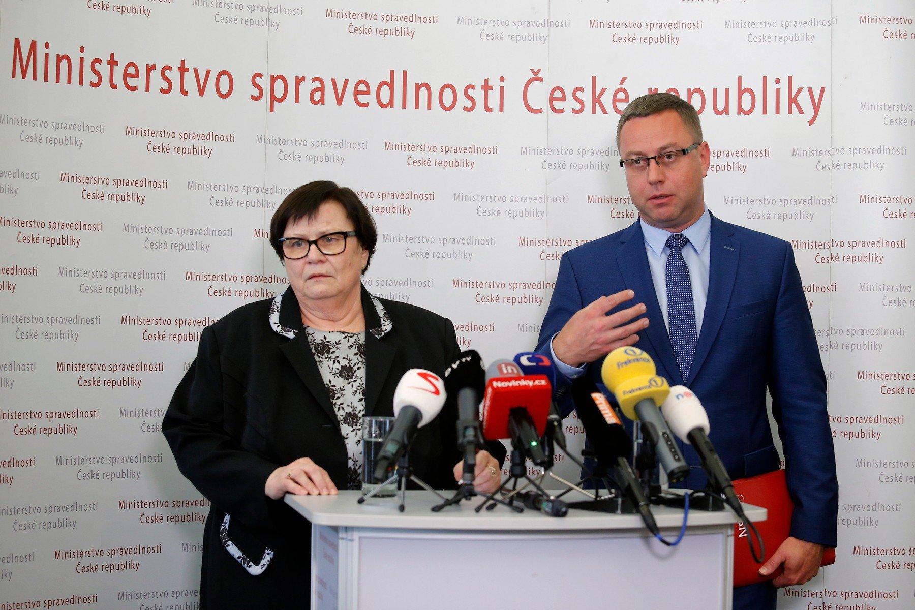 Ministryně spravedlnosti Marie Benešová a nejvyšší státní zástupce Pavel Zeman