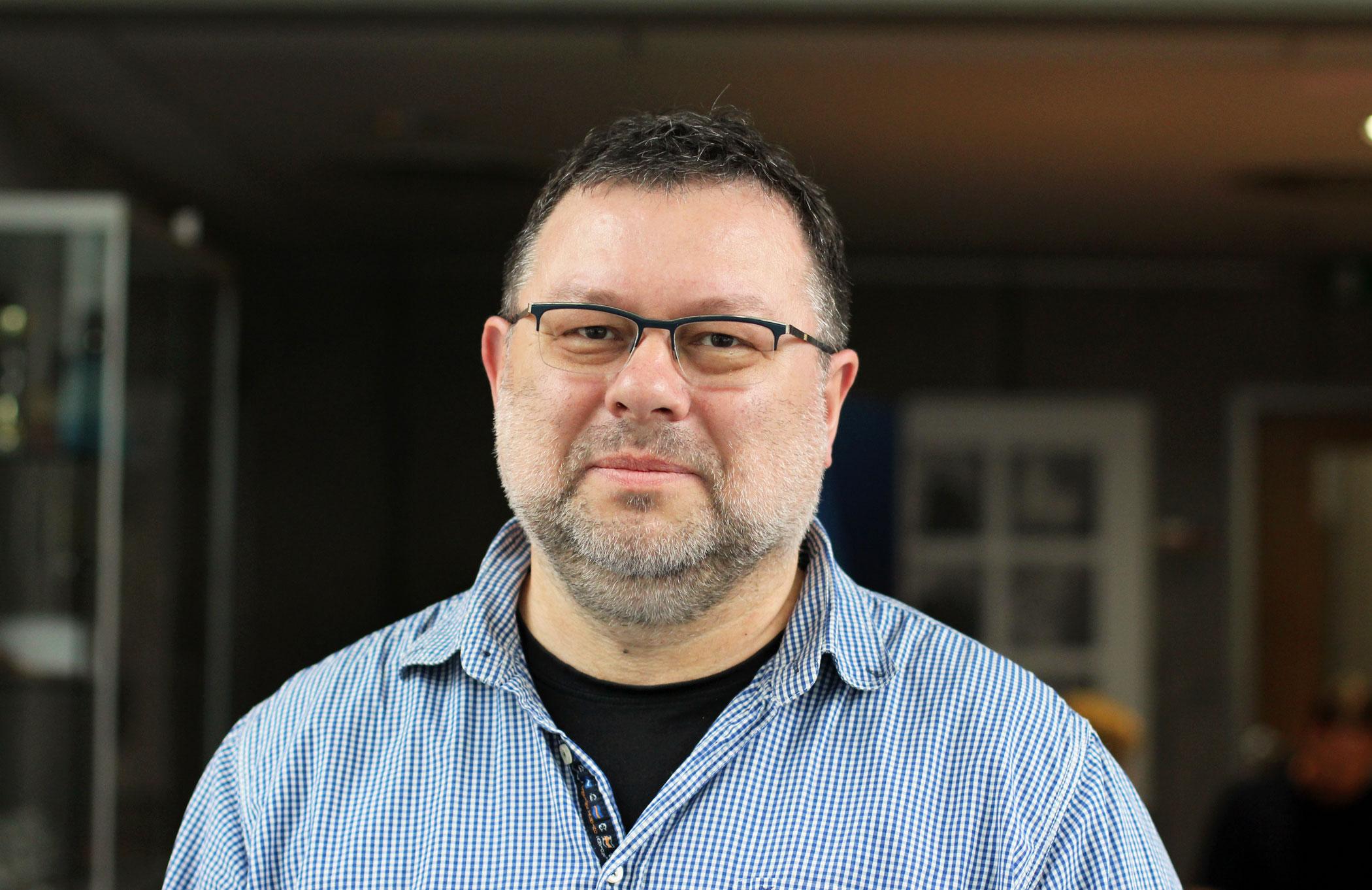 Jaroslav Kmenta, investigativní novinář a spisovatel, t.č. reportér časopisu Reportér