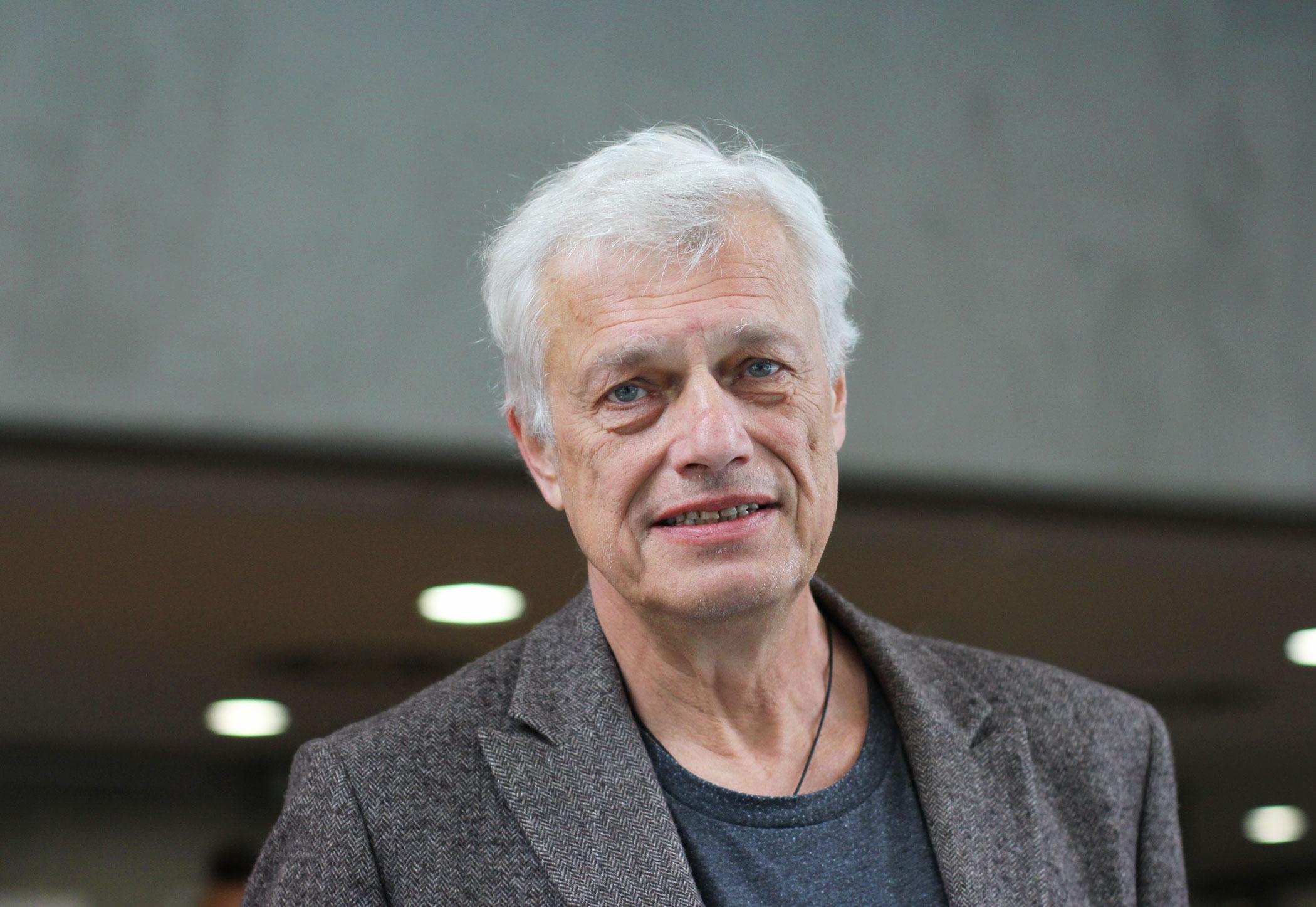 Vladimír Beneš, neurochirurg