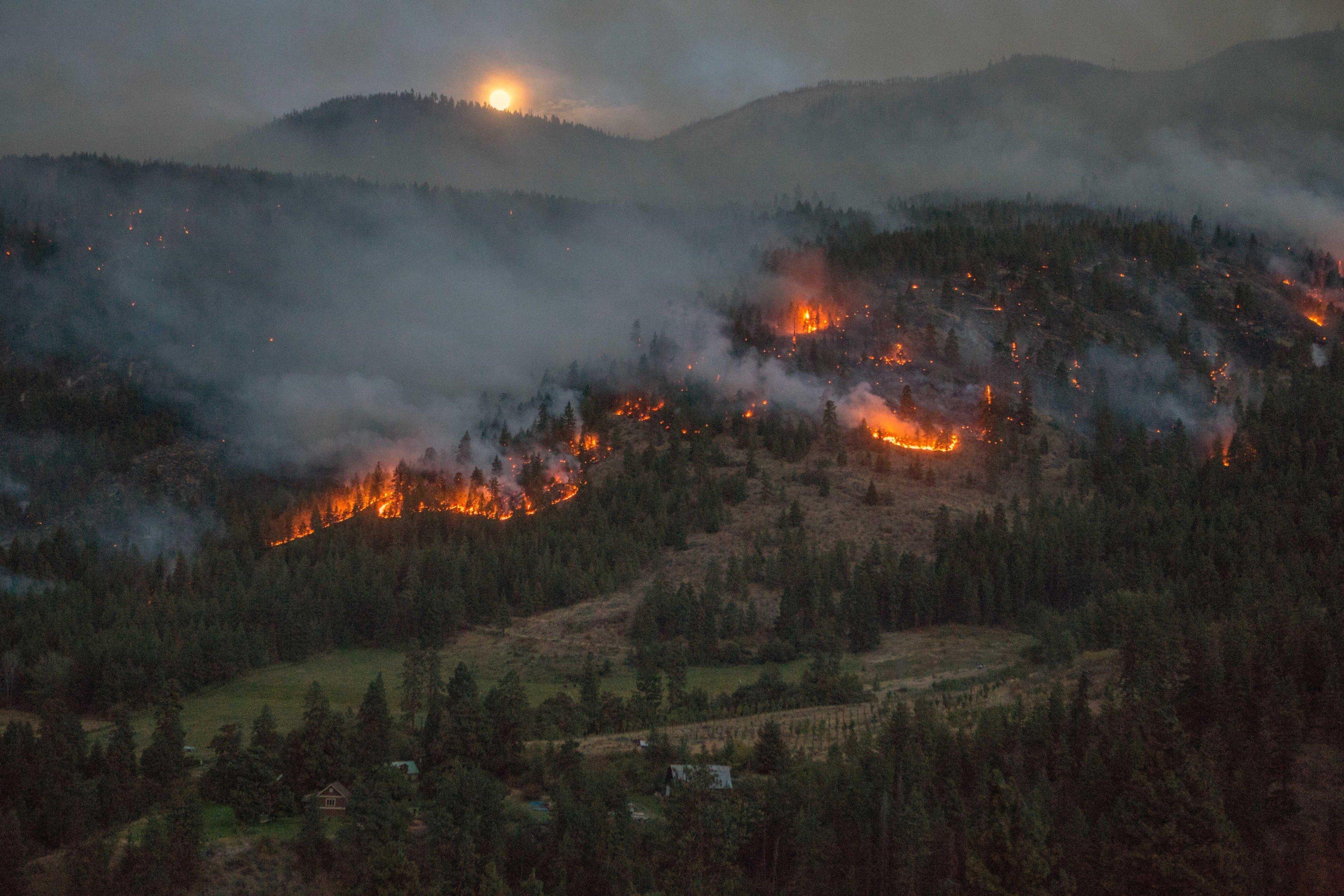 Požár v Californii 2015, Six River National Forest