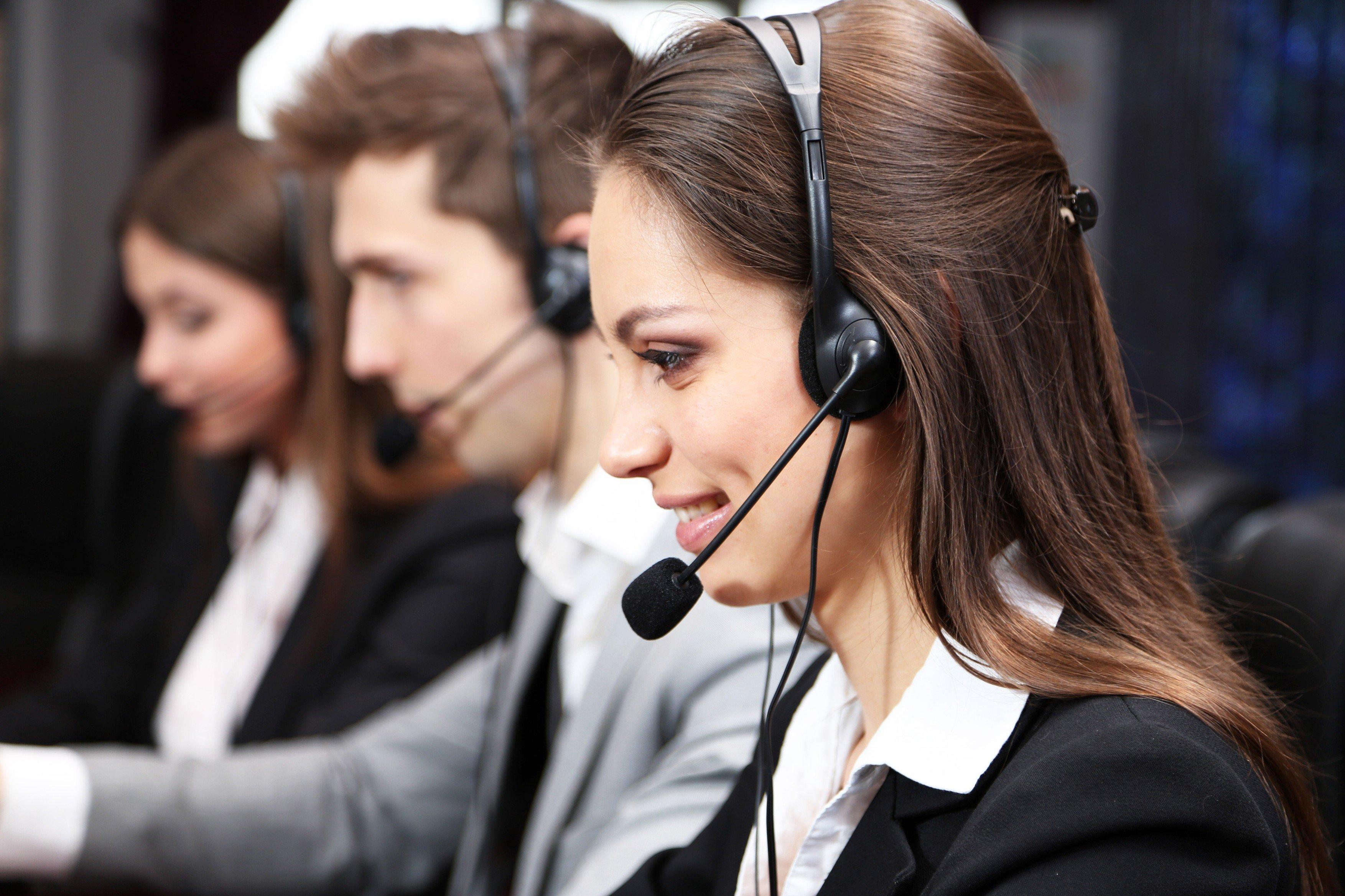 Operátorka call centra