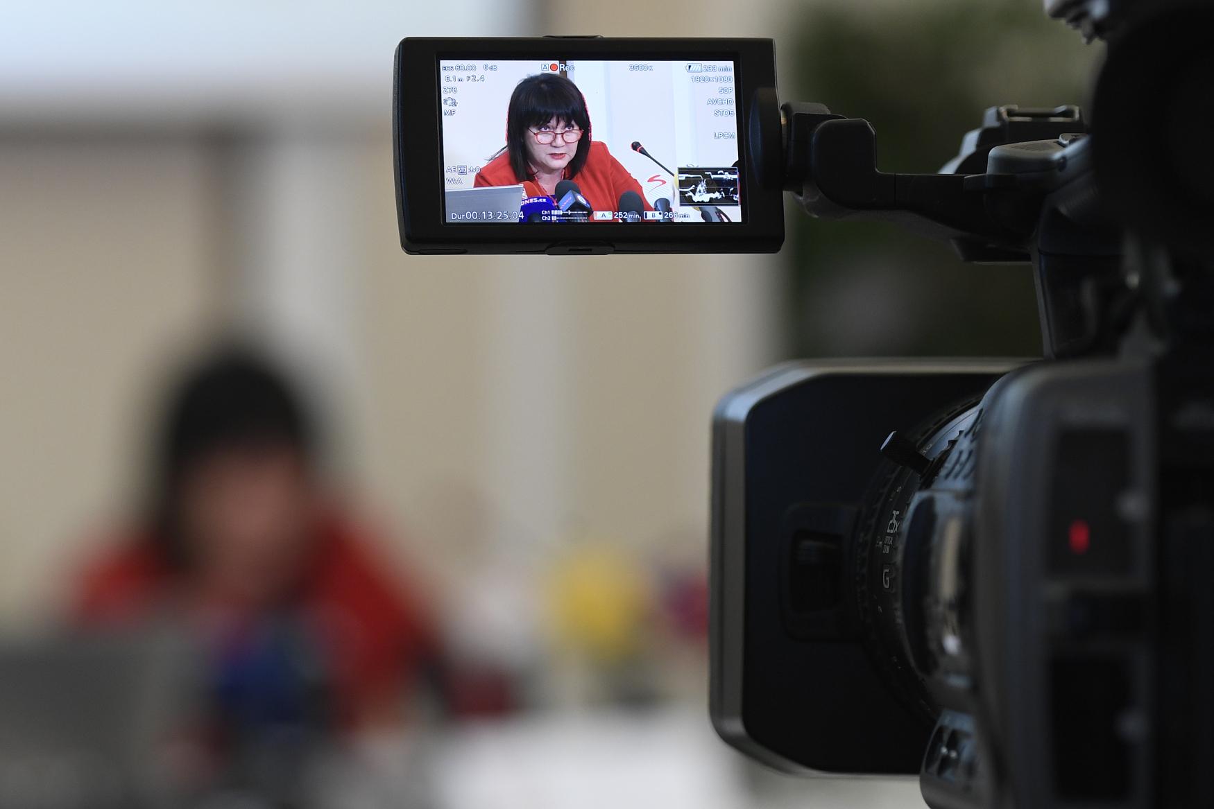 Ministryně financí Alena Schillerová vystoupila k výsledkům státního rozpočtu za rok 2018