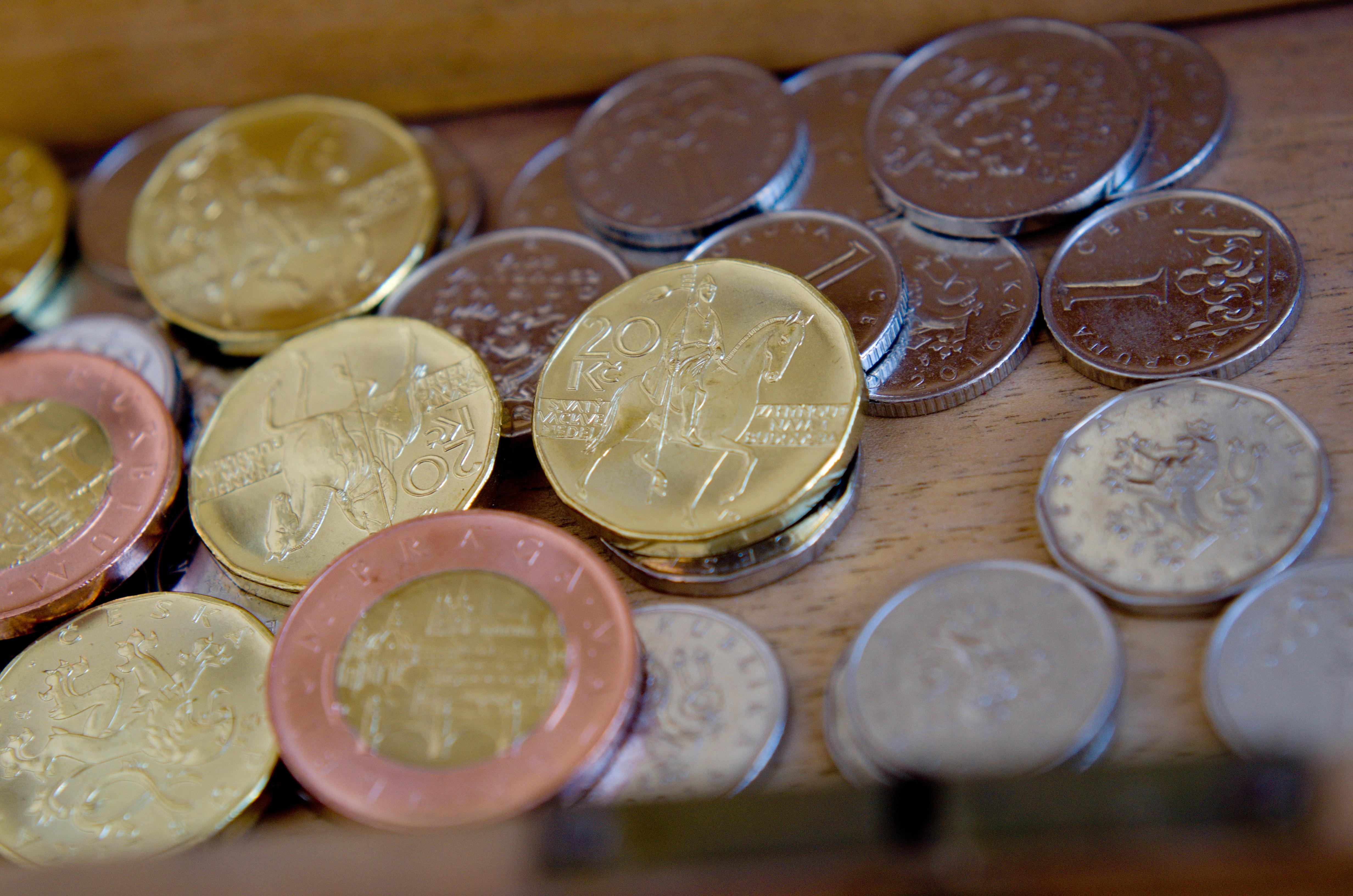 České mince, peníze