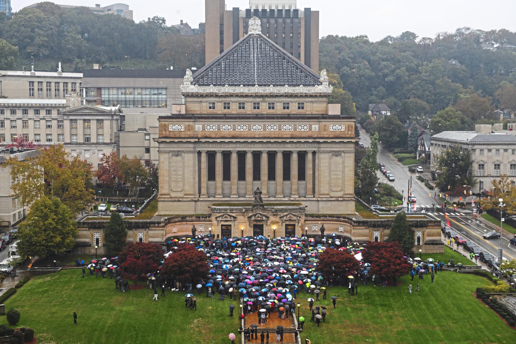 Pieta za oběti střelby v americkém Pittsburghu