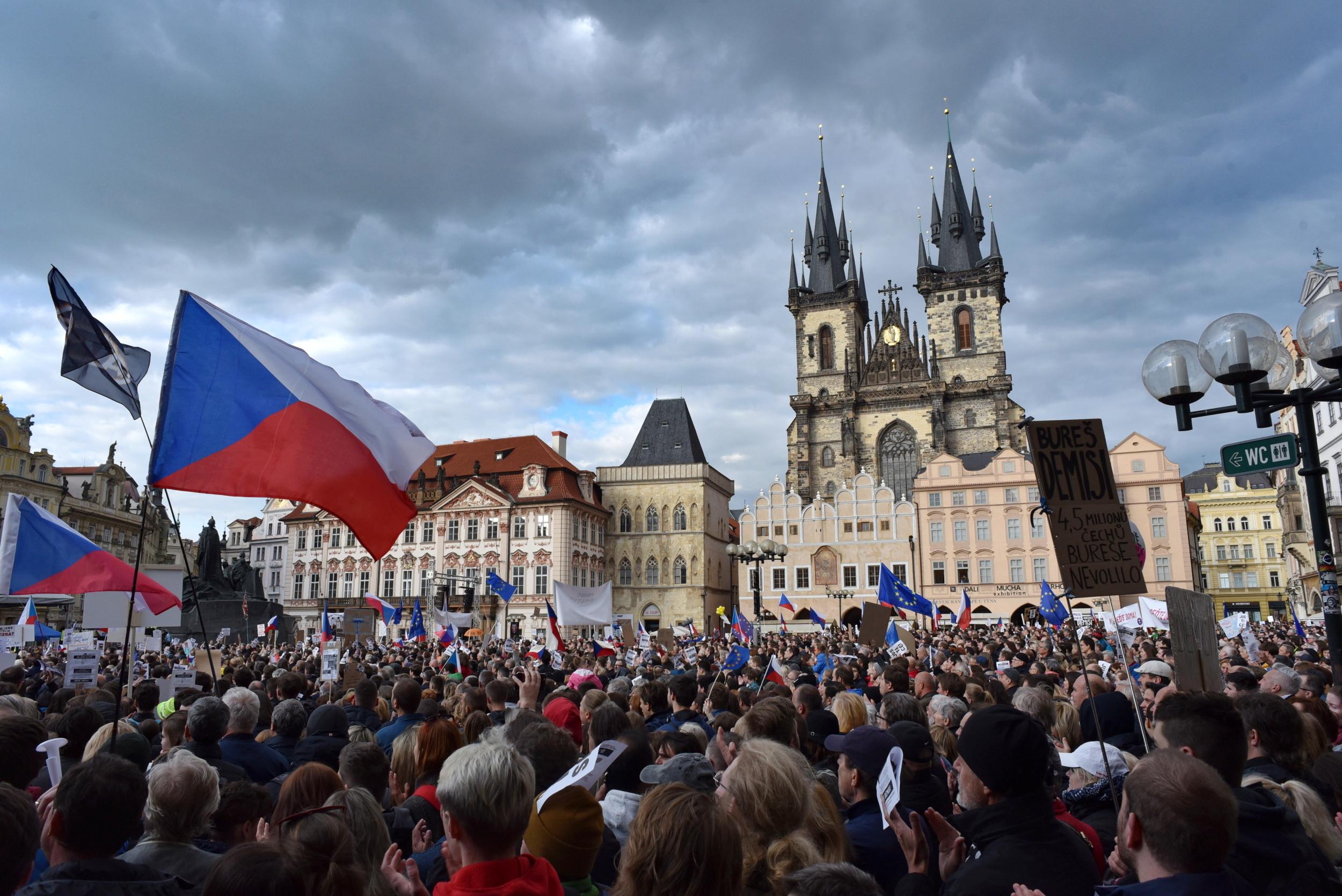 Demonstrace na Staroměstském náměstí v Praze 13. května