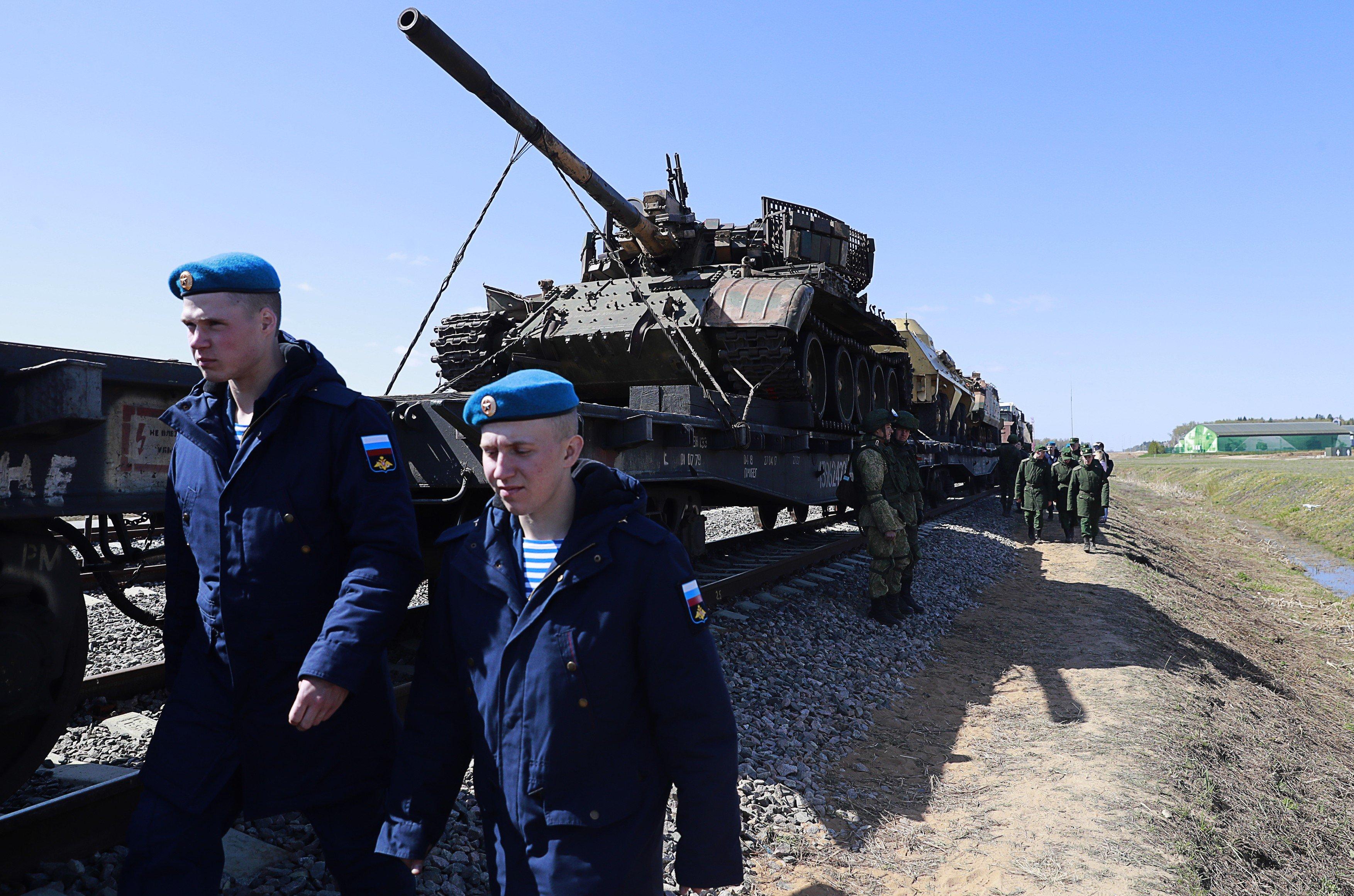 Ruskem projel vlak s válečnou kořistí ze Sýrie